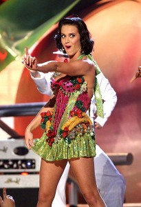 Katy Perry - Where's she hiding that banana?