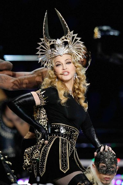 Madonna Performs Vogue